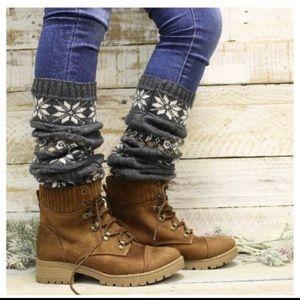 Catherine Cole Studio knit leg warmers. Size os